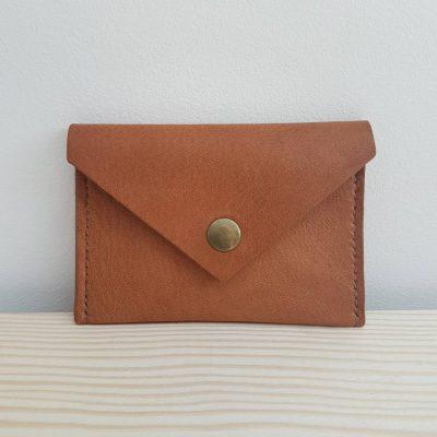 pochette-carte-bancaire-cuir-marron-vert