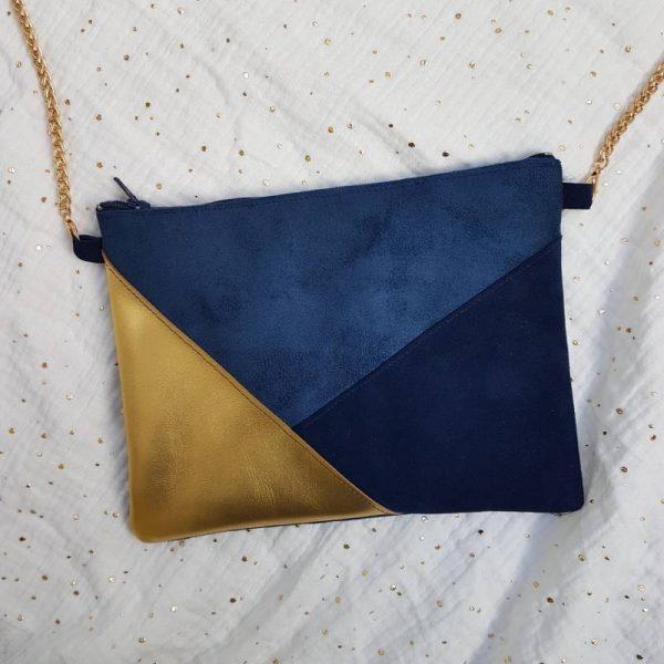 Pochette de soirée en suédine bleue et cuir or et bleu marine