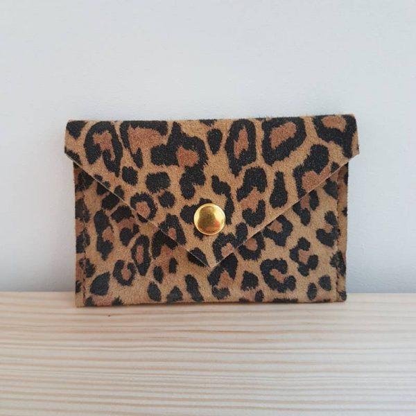 Porte carte en cuir léopard