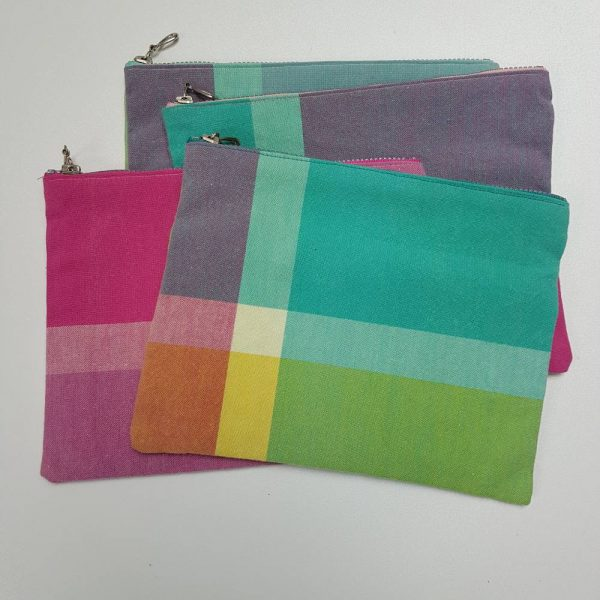 Pochette trousse grands carreaux pastels